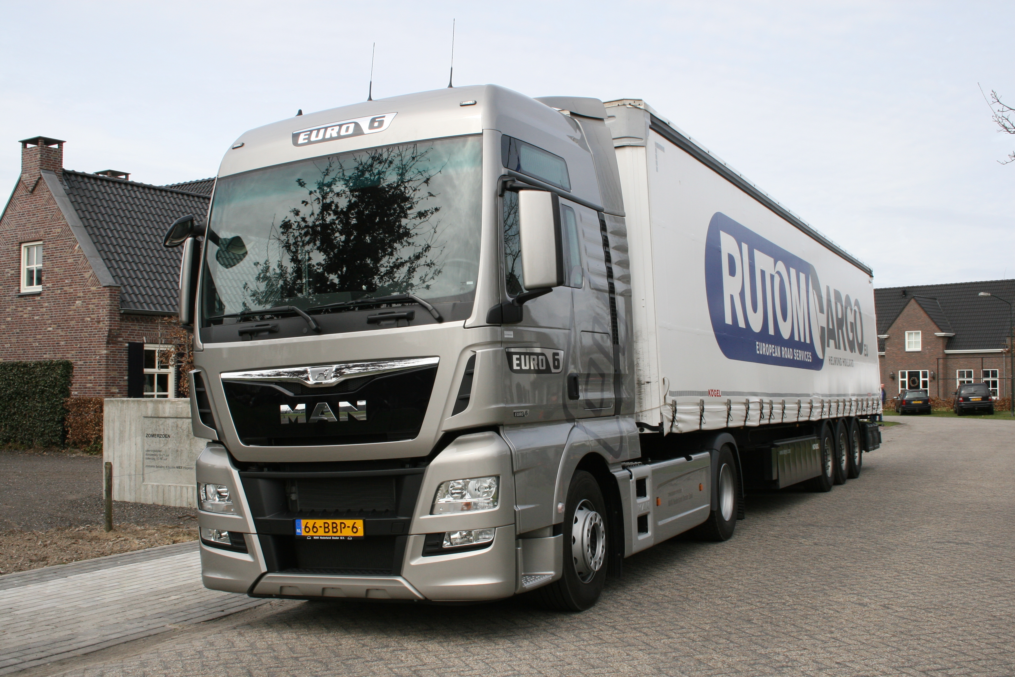 Man tgx 66bbp6 man chauffeursdag milheeze 2013 photo album for Domon man 2013