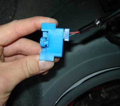 2005 Dodge Caravan Map Sensor Location moreover Fan Relay Location 99 Audi A4 as well 2001 Audi A4 Wiring Diagram in addition Radio Fuse 2001 Audi S4 as well 1999 Audi A6 Quattro Thermostat Location. on sensor 2 location 1999 audi a6 quattro